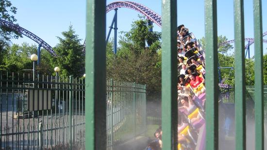 Superman The Ride photo, from ThemeParkInsider.com