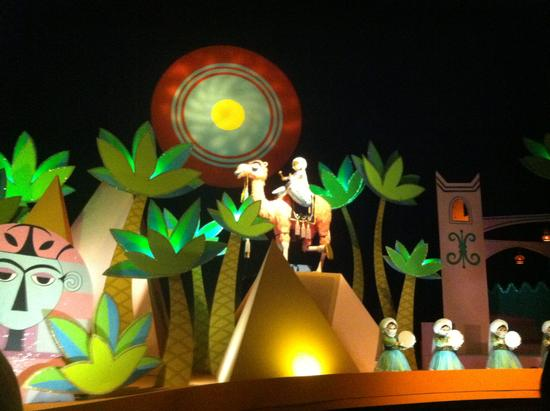 It's a Small World photo, from ThemeParkInsider.com