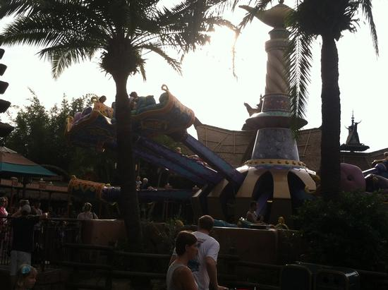 The Magic Carpets of Aladdin photo, from ThemeParkInsider.com