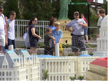 Miniland USA photo, from ThemeParkInsider.com