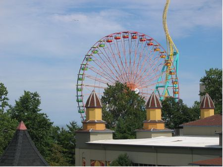Giant Wheel photo, from ThemeParkInsider.com