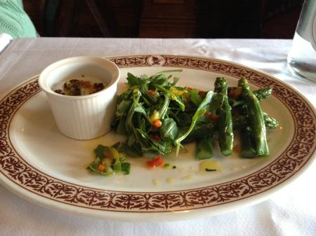 Green asparagus and salad