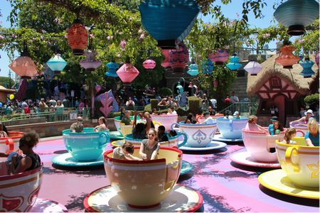 Mad Tea Party photo, from ThemeParkInsider.com