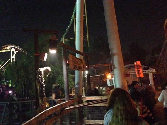 Knott's Berry Farm Halloween Haunt photo, from ThemeParkInsider.com