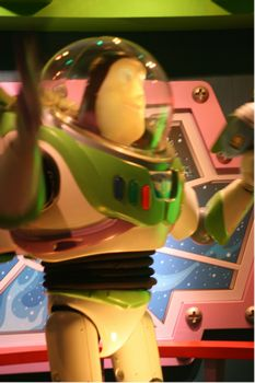 Buzz Lightyear Astro Blasters photo, from ThemeParkInsider.com