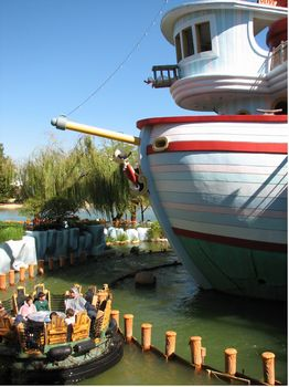 Popeye and Bluto's Bilge-Rat Barges photo, from ThemeParkInsider.com