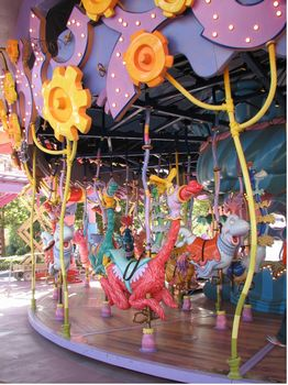Caro-Seuss-el photo, from ThemeParkInsider.com