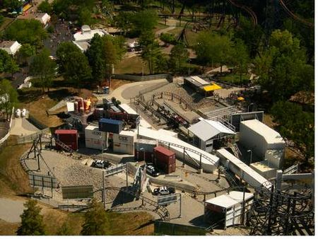 Backlot Stunt Coaster photo, from ThemeParkInsider.com