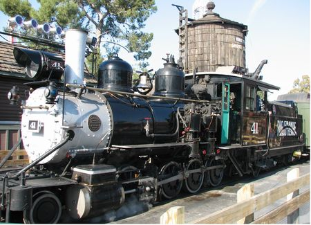 Calico Railroad photo, from ThemeParkInsider.com