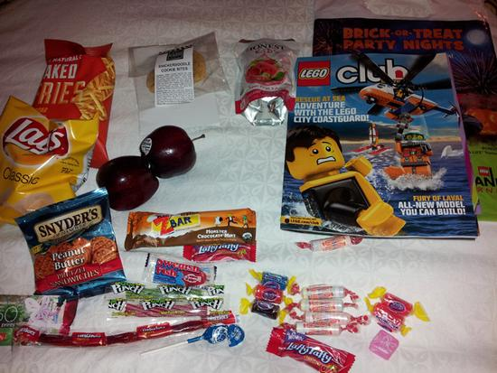 trick or treat bag contents