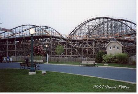 Lightning Racer photo, from ThemeParkInsider.com