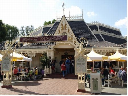 Jolly Holiday Bakery Cafe photo, from ThemeParkInsider.com