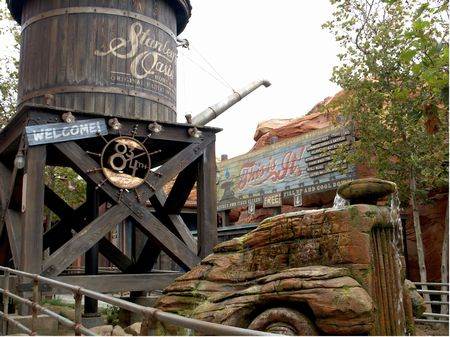 Radiator Springs Racers photo, from ThemeParkInsider.com