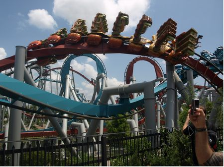 Dragon Challenge photo, from ThemeParkInsider.com