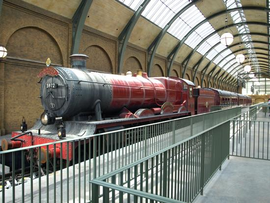 Hogwarts Express photo, from ThemeParkInsider.com