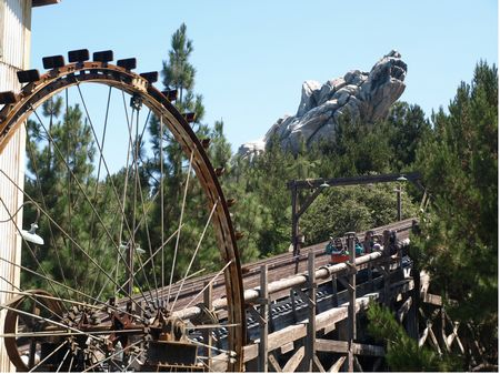 Grizzly River Run photo, from ThemeParkInsider.com