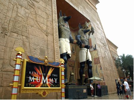 Entrance to Revenge of the Mummy