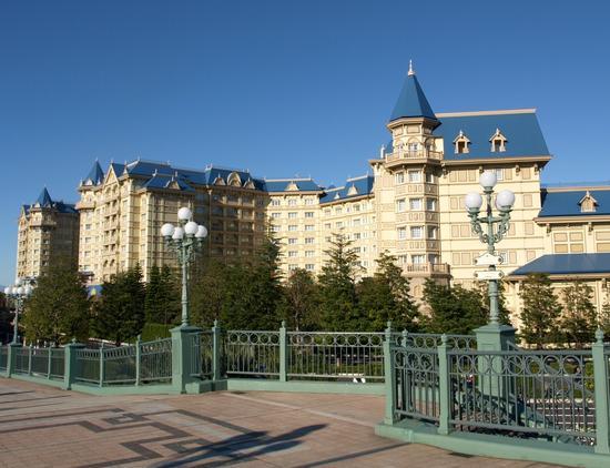 Tokyo Disneyland Hotel photo, from ThemeParkInsider.com