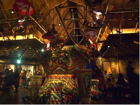 The Enchanted Tiki Room photo, from ThemeParkInsider.com