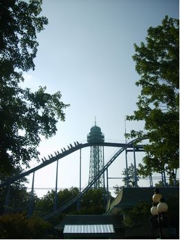 Shockwave photo, from ThemeParkInsider.com