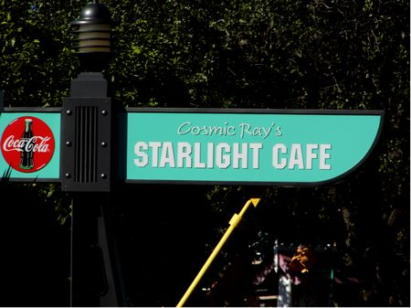 Cosmic Ray's Starlight Cafe photo, from ThemeParkInsider.com