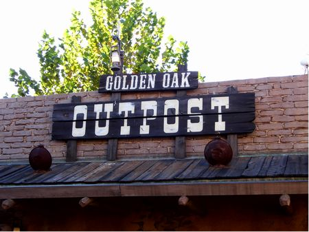 Golden Oak Outpost photo, from ThemeParkInsider.com