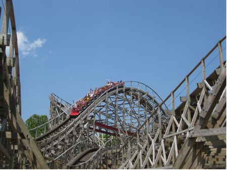 American Thunder photo, from ThemeParkInsider.com