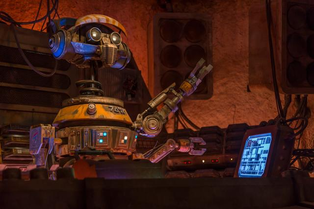 Disneyland changes the way to get into Oga's Cantina