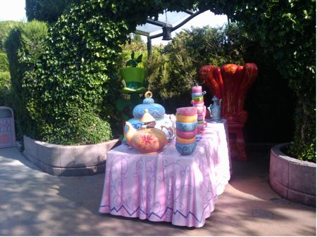 Mad Hatter's Tea Cups photo, from ThemeParkInsider.com