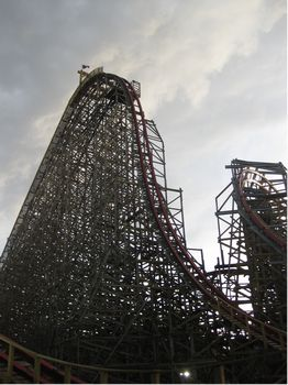 Texas Giant photo, from ThemeParkInsider.com
