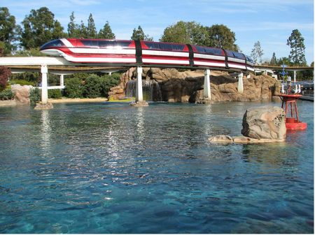 Disneyland Monorail photo, from ThemeParkInsider.com