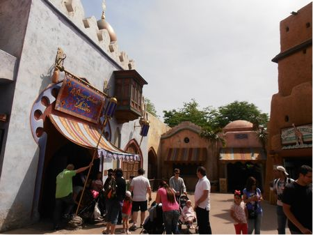 Le Passage Enchante D Aladdin At Disneyland Paris