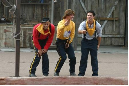 Knott's Wild West Stunt Show photo, from ThemeParkInsider.com