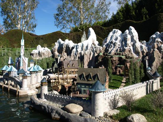 Storybook Land Canal Boats photo, from ThemeParkInsider.com