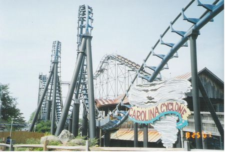 Carolina Cyclone photo, from ThemeParkInsider.com