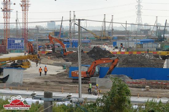 Shanghai Disneyland construction