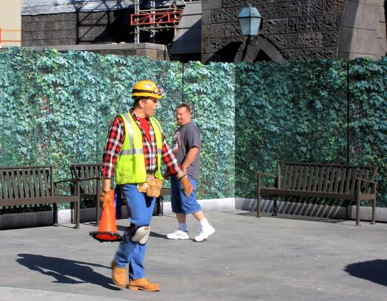Universal 'construction' worker
