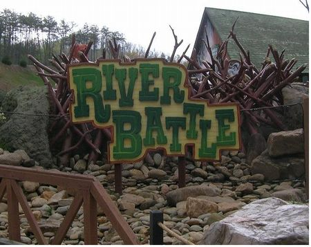 River Battle photo, from ThemeParkInsider.com