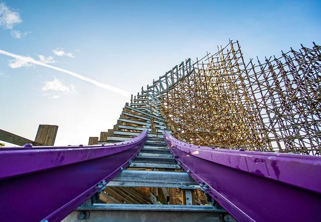 Busch Gardens Lays First Track For Record Breaking Coaster