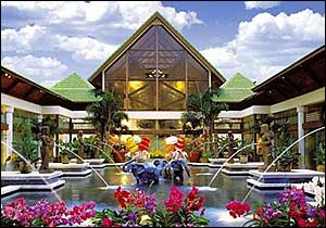 Universal's Royal Pacific Resort photo, from ThemeParkInsider.com