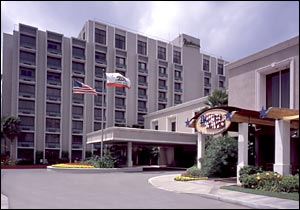Knott's Berry Farm Resort Hotel photo, from ThemeParkInsider.com