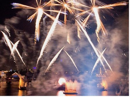 Epcot's IllumiNations: Reflections of Earth