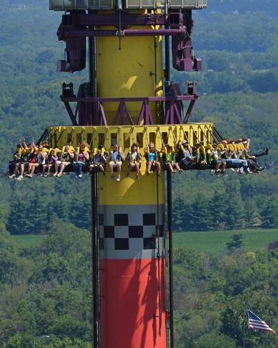 Drop Tower photo, from ThemeParkInsider.com