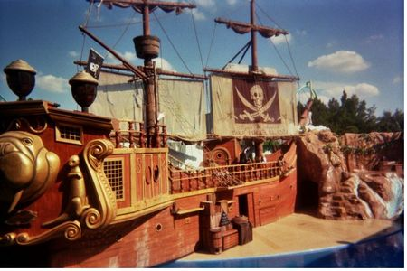 Clyde and Seamore Take Pirate Island photo, from ThemeParkInsider.com