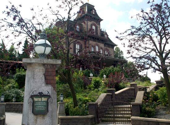 Phantom Manor at Disneyland Paris