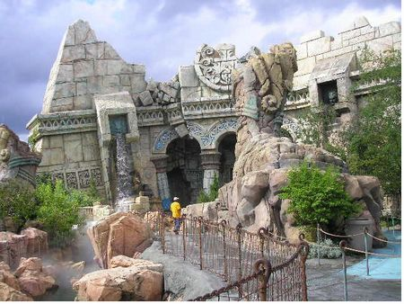 Poseidon's Fury photo, from ThemeParkInsider.com