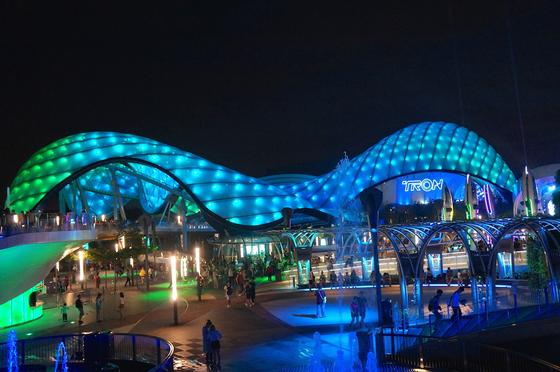 Shanghai Disneyland photo, from ThemeParkInsider.com