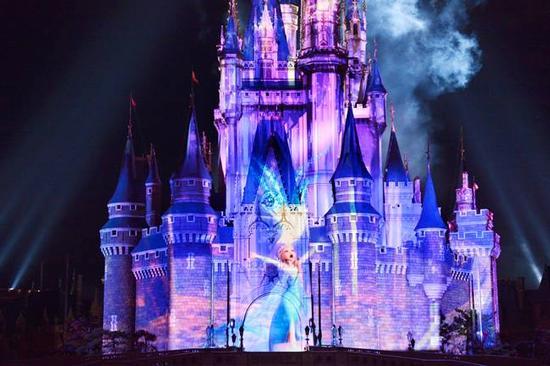 Tokyo Disneyland photo, from ThemeParkInsider.com