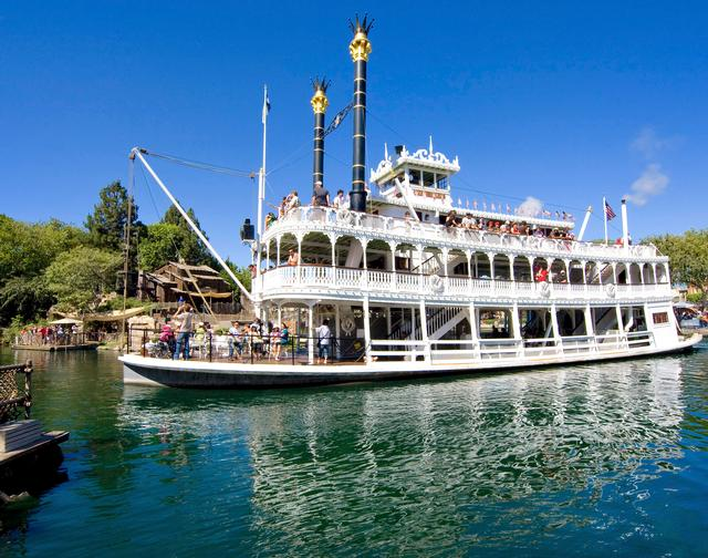 Photo of Mark Twain Riverboat
